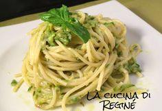 Spaghetti alla Nerano, un primo piatto a base di zucchine e formaggi tipico della penisola sorellina, un mix di sapori unici