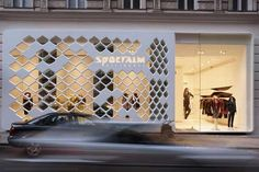Sportalm Shop by DuPont™ Corian® . Find your inspiration with I-MESH #imeshmktg www.i-mesh.eu