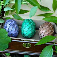 Perfect for your GoT costume, DIY Dragon Eggs. Lumiere and Neopaque paints on KraftTex make for amazing shades that can be used for all different kinds of Dragon breeds!