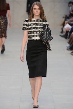Burberry Prorsum Fall 2013 Ready-to-Wear Runway Show