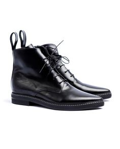 7-1-women-dapper-pointed-toe-lace-up-boots