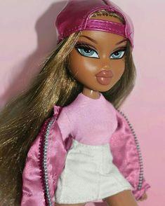 Bratz in pink💅🏻💅🏼💅🏽💅🏾💅🏿 Bad Girl Aesthetic, Aesthetic Grunge, Aesthetic Fashion, Pink Aesthetic, Bratz Doll Makeup, Bratz Doll Outfits, Black Bratz Doll, Bratz Pop, Bratz Yasmin