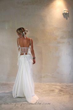 1000+ images about Robes bustier de mariées/ Strapless wedding dress ...