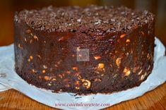 Tort de biscuiti cu ciocolata si fructe confiate (de post) - CAIETUL CU RETETE Tiramisu, Cake, Ethnic Recipes, Desserts, Food, Tailgate Desserts, Deserts, Kuchen, Essen