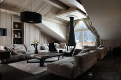 Discover the best luxury ski chalets in Courchevel Enjoy a luxury ski holiday in Courchevel 1850 with our exclusive range of luxury chalets. Cozy Living Rooms, Home Living Room, Living Room Decor, Chalet Design, House Design, Chalet Interior, Interior Design, Salons Cosy, Chalets