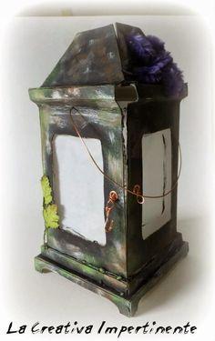Ciaooooooooo,  oggi volevo mostrarvi la lanterna diHalloween ho realizzato utilizzando del cartone pressato.  Vi mostro le fotografie qui: ...