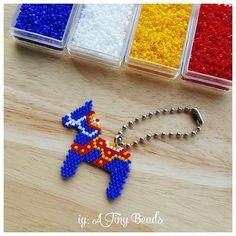อัศวินทหารม้า สดใสมาก  #cactus #tinycactus #cactusinarainyday #doll #beads #beadstitching #bow #atiny_beads #cutepin #keychain #accessory #lovely #handmade #handmadewithlove #madetoorder #little #charms #เครื่องประดับ #miyuki #miyukidelica #seedbeads #keychain #mobile #sweet #pastel #mobileaccessories #miniature #horse