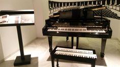 Museo Interactivo de Musica Malaga - byens interaktive musikmuseum opfordrer til, at man bruger museets mange instrumenter! #museum #musik #malaga #mimma