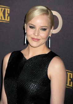 Abbie Cornish is one of the many celebrities that chose to live a #vegan or vegetarian lifestyle. You can too! [ humaneproject.com ]