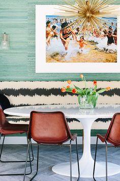 Black Lacquer - desire to inspire - desiretoinspire.net - eero saarinen oval tulip table