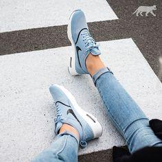 Bekijk deze Instagram-foto van @asphaltgold_sneakerstore • 3,328 vind-ik-leuks