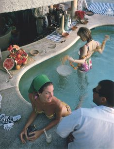 Colony Hotel, Palm Beach, Florida in 1961. By Slim Aarons