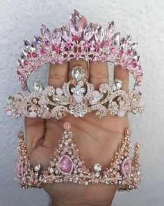 Beautiful crowns for beautiful wedding brides ❤ , crown , wedding style , western jewelry , western style Cute Jewelry, Hair Jewelry, Bridal Jewelry, Jewellery, Fantasy Gowns, Magical Jewelry, Crystal Crown, Bridal Crown, Cute Necklace