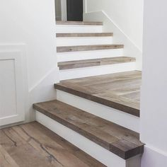 Staircase Makeover, Staircase Railings, Wooden Staircases, Wooden Stairs, Stair Treads, Staircase Design, Farmhouse Stairs, Farmhouse Ideas, Traditional Staircase