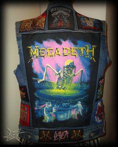 #thrashmetal #thrashmetalgirl #metalgirl #metalchicks #thrashmetalpinup #pinup #pinupgirl #oldschoolthrashmetal #headbangergirl #metalband #metalbabe #bandshirt #metalshirt #metalstyle #metal #metalera #metalheadgirl #thrash #metalhead #alternativegirl #battlevest #battlejacket #patches