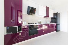 Bucătărie Grape - Mobilier La Comandă - Fabrică București Bathroom Lighting, Kitchen Cabinets, Interior Design, Mirror, Furniture, Box, Home Decor, Bathroom Light Fittings, Nest Design