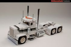 Peterbilt Showtrucks: A LEGO® creation by Bricksonwheels MOC : MOCpages.com