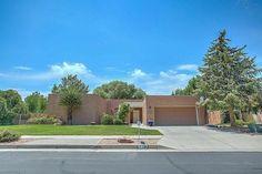 5817 Papaya Pl Ne, Albuquerque, NM 87111 - Home For Sale and Real Estate Listing - realtor.com®