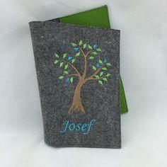 Gotteslobhülle+Baum++mit+Namen+-+hochwertiger+Filz+von+Hermers-Design+auf+DaWanda.com