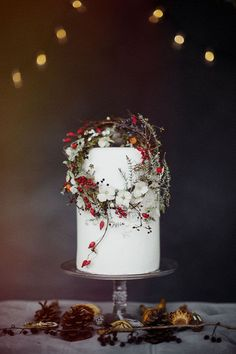 Holiday Wedding Cakes Too Pretty To Ignore ~ Amy Swann Cakes