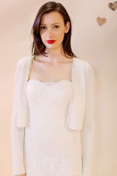 Noivas quentinhas - casaco de lã para noiva por Ivy & Aster #casarcomgosto