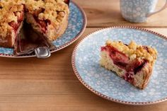 La cafetière Dolce Gusto : le « must have Easy Cake Recipes, Veggie Recipes, Machine A Cafe Expresso, Raspberry Crumble, Streusel Cake, Springform Cake Tin, Cherry Desserts, Frozen Cherries, Natural Yogurt