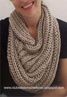 Risultati immagini per ponto de trico chains paternn Mode Crochet, Knit Crochet, Knitting Patterns, Crochet Patterns, Diy Crafts Crochet, Crochet Bookmarks, Knitting Accessories, Crochet Fashion, Crochet Scarves