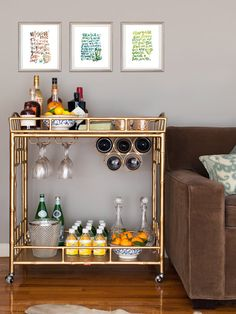 My mom advised the first thing to worry about re: getting an apartment is ordering a bed. The second is setting up a minibar, right? Mini Bars, Bar Cart Styling, Bar Cart Decor, Diy Bar Cart, Ikea Bar Cart, Styling Tips, Canto Bar, Bar Sala, Bar Deco
