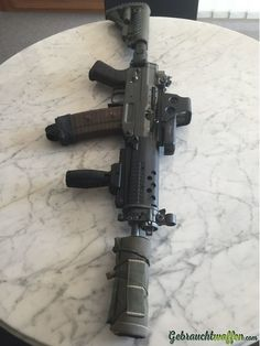 SIG 552 Commando Remington - somethings you just lust after.my sexy hot wife, and this. Tactical Rifles, Firearms, Shotguns, Weapons Guns, Guns And Ammo, Gun Vault, Armas Ninja, Battle Rifle, Submachine Gun