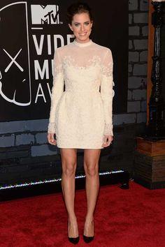 Allison Williams wearing a white Valentino