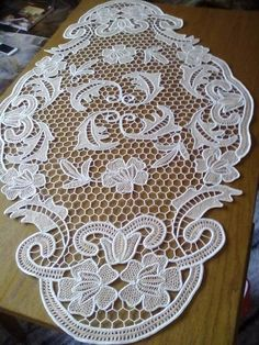 Crochet ideas that you'll love Doily Patterns, Hand Embroidery Patterns, Floral Embroidery, Crochet Patterns, Cross Stitch Designs, Cross Stitch Patterns, Romanian Lace, Types Of Lace, Point Lace