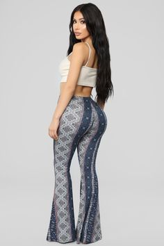 Shop Fashion Nova for the hottest women's bottoms. There are of on-trend pants, leggings, jeans, skirts, shorts and biker shorts for women to choose from every day. Rompers Women, Jumpsuits For Women, High Jeans, High Waist Jeans, Black Sequin Pants, Fashion Nova Plus Size, Fashion Nova Pants, Curve Dresses, Women's Dresses