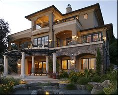 Both Craig and I like this style...this will definitely be in our Vision book when we design our house plans!