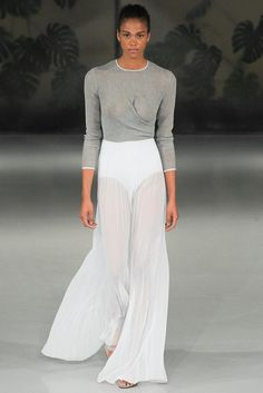 See all the Collection photos from Barbara Casasola Spring/Summer 2015 Ready-To-Wear now on British Vogue Dior Couture, Runway Fashion, Fashion Show, Fashion Design, London Fashion, High Fashion, Women's Fashion, Barbara Casasola, Paris Mode
