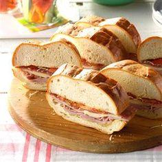 Italian Submarine Recipe Appetizer Sandwiches, Wrap Sandwiches, Appetizers, Italian Sub, Easy Eat, Kid Friendly Dinner, Picnic Foods, Sandwich Recipes, Picnic Recipes