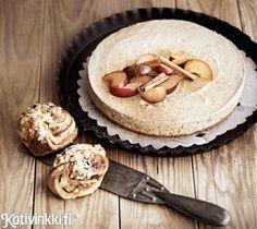 Luumu-juustokakku sopii täydellisesti pikkujouluherkuksi tai joulupöytään jälkkäriksi.