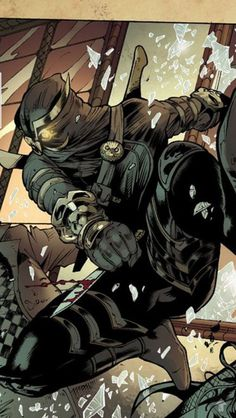 The Talon from Batman. A deadly assassin who's employer is only know as the Court of Owls Comic Book Characters, Comic Character, Comic Books Art, Comic Art, Character Design, I Am Batman, Batman Court Of Owls, Owl Talons, Dc Comics