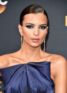 Makeup, Beauty, Hair & Skin | This May Be Emily Ratajkowski's Sexiest Eye Makeup Look Yet | POPSUGAR Beauty Photo 3