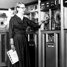 """17 Rare Images Tell the Real Story of Women in Tech ... This one ... The U.S. Army wants a better way to predict artillery strikes during World War II.  Six women Jean Jennings Bartik, Frances """"Betty"""" Snyder Holberton, Kathleen McNulty Mauchly Antonelli, Marlyn Wescoff Meltzer, Ruth Lichterman Teitelbaum and Frances Bilas Spence builds a 150-feet wide computer."""