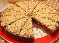 Çok kısa sürede pişirmeden hazırlayabileceğiniz, bisküvinin kıtırlığı, fındığın kokusuyla ve nutellanın mükemmel uyumu ile Kek Tarifleri listesine yenisini