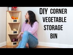 Step by step plans, tutorial and video showing how to build a DIY corner vegetab. Step by step plans, tutorial and video showing how to build a DIY corner vegetab. Diy Vertical Storage, Diy Vegetable Storage, Vegetable Bin, Woodworking Outdoor Furniture, Woodworking Workbench, Diy Furniture, Workbench Plans, Woodworking Books, Woodworking Supplies