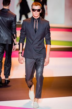 Versace Spring 2014 Menswear Fashion Show