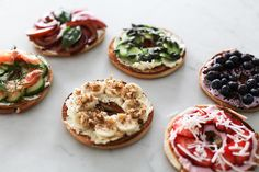 My good friends at Philadelphia Cream Cheese have challenged me to create six healthy bagel toppings just in time for the holiday season. Bagels, Healthy Bagel, Bagel Toppings, Cheese Fruit, Cream Cheese Recipes, Cream Cheeses, Chocolate Shavings, Bon Appetit, Yummy Food