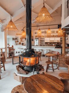 Cafe Shop Design, Coffee Shop Interior Design, Bakery Design, Deco Restaurant, Restaurant Design, Bakery Interior, Cozy Cafe Interior, Cozy Coffee Shop, Coffee Shops