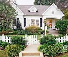 love cottage white houses!