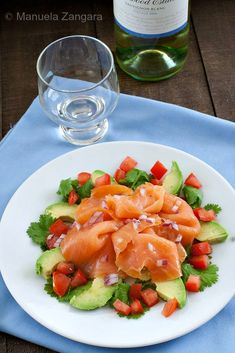 A delicious and #healthy dish: Smoked Salmon and Avocado Salad!
