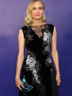 Diane Kruger wears the Anya Hindmarch Crisp Packet clutch bag Diane Kruger, Anya Hindmarch, Clutch Bag, Crisp, Red Carpet, Hair Makeup, How To Make, How To Wear, Formal Dresses