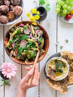 Minttupestopastasalaatti ja vegaaninen vappumenu