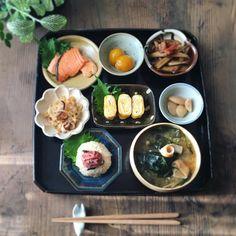 Bento, Japanese Food Dishes, South Korean Food, Food Obsession, Food Tasting, Exotic Food, Aesthetic Food, Food Menu, Food Presentation