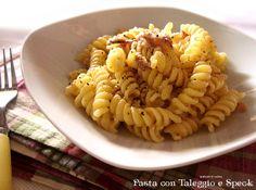 Pasta con Taleggio e speck http://blog.giallozafferano.it/graficareincucina/pasta-con-taleggio-e-speck/